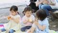 公園 友達 子供の動画 32856913