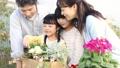家族 ガーデニング 親子の動画 32867913