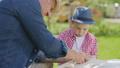 おじいさん お爺さん 祖父の動画 33003283
