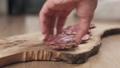 サラミ サラミソーセージ チーズの動画 33005860