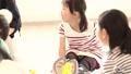 ハンカチ落とし 遊ぶ 小学生の動画 33184681