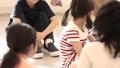 ハンカチ落とし 遊ぶ 小学生の動画 33184682