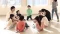 ハンカチ落とし 遊ぶ 小学生の動画 33184686
