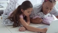 家族 PC ノートパソコンの動画 33255838