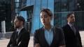 立つ ビジネスマン 実業家の動画 33420242