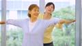 健身房瑜伽活跃高级女性形象 33431257