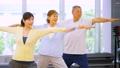 健身房瑜伽活跃高级锻炼图像 33431260