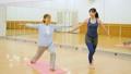 健身房瑜伽活跃高级锻炼图像 33516269