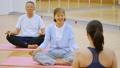 健身房瑜伽活跃高级锻炼图像 33516271