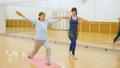 健身房瑜伽活跃高级锻炼图像 33516282
