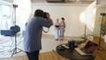 スタジオ撮影 カメラマン スタジオの動画 33910431
