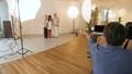 スタジオ撮影 カメラマン スタジオの動画 33910438