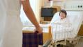 車椅子 病室 患者の動画 34595141