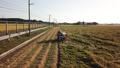 稲刈り コンバインを運転する男性 イメージ ドローン撮影 34629980