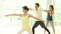 健身房夫妇结婚中间瑜伽锻炼图像 34640137