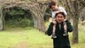 公園 休日 屋外の動画 34869837