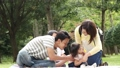 公園 人物 ファミリーの動画 34876184