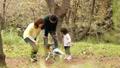 公園 人物 ファミリーの動画 34876313