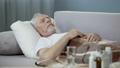 年寄り 年配 冷たいの動画 34918721