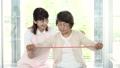 リハビリ 介護士 シニアの動画 34947003