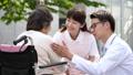介護 車椅子 介護士の動画 34950963