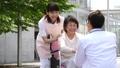 車椅子 医師 患者の動画 34950965
