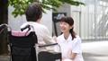 介護 車椅子 介護士の動画 34950967