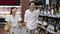 スーパー 買い物 夫婦の動画 34951594