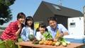 家族 キャンプ 野菜の動画 34954426
