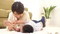 赤ちゃん 親子 人物の動画 35082502