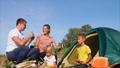 ピクニック ファミリー 家庭の動画 35246168