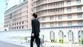 歩く ビジネス 男性の動画 35347010
