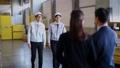 ビジネスマン 倉庫 ビジネスの動画 35440542