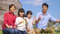 家族 親子 シャボン玉の動画 35441750
