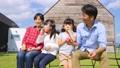 家族 親子 シャボン玉の動画 35441754