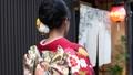 京都・祇園を歩く着物姿の女性の後ろ姿 35566707