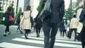 歩く サラリーマン ビジネスマンの動画 35714851