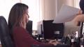 女の人 女性 コンピューターの動画 35725537