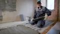 男性 フロア 床の動画 36015238