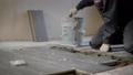 男性 フロア 床の動画 36015240