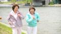 シニア 女性 ジョギングの動画 36020584