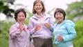 シニア 女性 友達の動画 36027487