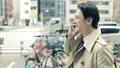 人物、男性、日本人、笑顔、電話、歩く、イメージ、携帯、話す、歩く、 36564418