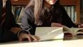 学校 人物 学生 図書室 36675311