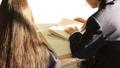 学校 人物 学生 図書室 36675312