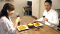食事 夫婦 カップルの動画 36896277