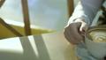 女性 飲む カップの動画 36914353