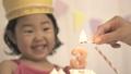 3歳、3才、誕生日、ケーキ、笑う、笑顔、お祝い、嬉しい、女の子、女子、女、日本人、動画素材、スロー 37014137