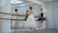 バレエ 女性 バレリーナの動画 37038314