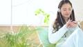 女性 パジャマ 音楽の動画 37449106